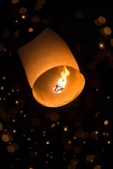Free Sky Lantern With Bokeh Royalty Free Stock Photography - 35322807