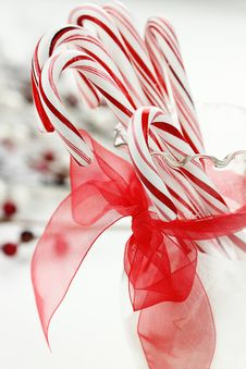 Free Candy Cane Royalty Free Stock Photos - 35324948