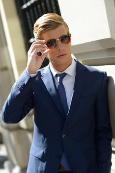 Free Attractive Young Businessman In Urban Background Royalty Free Stock Images - 35333509