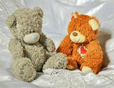 Free Grey And Brow Bears In The Bedroom Stock Photos - 35336383