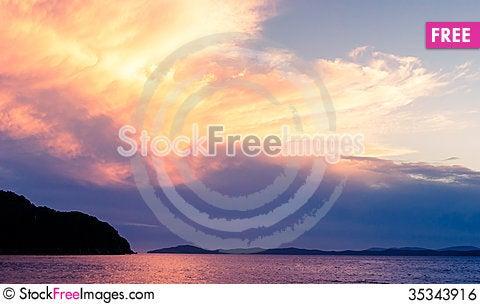 Free Sunset Of Japan Sea Royalty Free Stock Image - 35343916