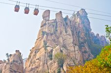 The Cliff Peak And Cable Car Autumnal Scenery Royalty Free Stock Photos