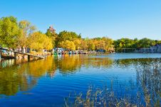 Free The Blue Lake Water And Pavilion Autumnal Scenery Royalty Free Stock Photography - 35369707