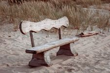 Free Bench In The Dunes Royalty Free Stock Photography - 35376307