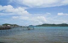 Free Wooden Bridge To The Sea,Thailand Royalty Free Stock Photo - 35381495