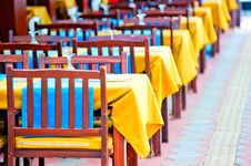 Free Empty Tables At The Cafe Stock Photography - 35383502
