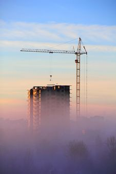 City In The Morning Fog Royalty Free Stock Images
