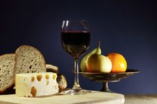 Free Cheese And Wine Royalty Free Stock Photo - 35397695