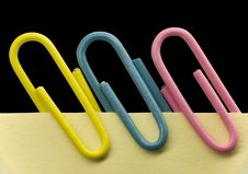 Free Paperclip On A Note Royalty Free Stock Photo - 3542425
