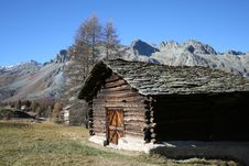 Free Wood Mountain House Stock Image - 3545061