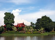 Free Thai Building With Garden Royalty Free Stock Image - 3545846