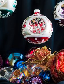 Free Christmas Baubles Royalty Free Stock Photography - 3546407