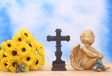 Free Flowers And Angel With Cross Royalty Free Stock Photography - 3546807
