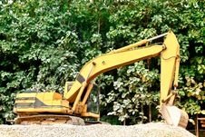 Free Excavator On A Mound Royalty Free Stock Images - 35402049