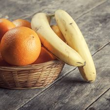 Free Fruit Basket Stock Images - 35405114