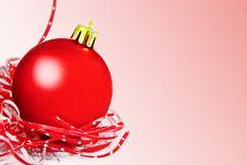 Free Red Christmas Ball Stock Photography - 35411492