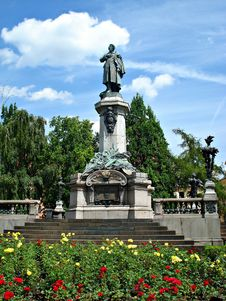 Free Adam Mickiewicz Monument In Warsaw Royalty Free Stock Photos - 35436538