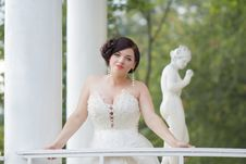 Free The Bride In The Gazebo Royalty Free Stock Photos - 35438768
