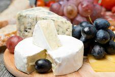 Free Camembert, Blue Cheese, Grapes And Walnuts, Close-up Royalty Free Stock Image - 35443916