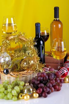 Free Wine And Christmas Balls Stock Images - 35447484