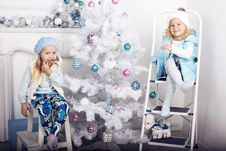 Free Little Girls With Cristmas Tree Stock Photo - 35447740