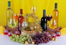 Free Bottles Of Wine With Grapes And Christmas Decorations Royalty Free Stock Photos - 35447888