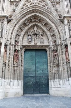 Free Old Cathedral Door Royalty Free Stock Image - 35449306