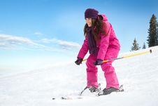 Free Young Woman Skiing Stock Image - 35459671