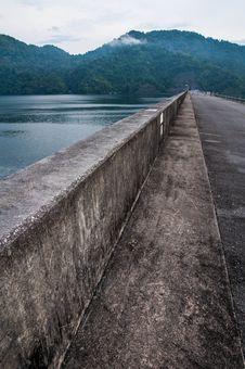Free Water And Dam Stock Photo - 35466220