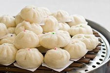 Free Steamed Dumpling Royalty Free Stock Photo - 35468905