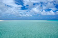 Free Sea View Of Aitutaki Lagoon Cook Islands Royalty Free Stock Image - 35471936