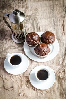 Free Chocolate Muffins And Coffee Stock Photography - 35484802