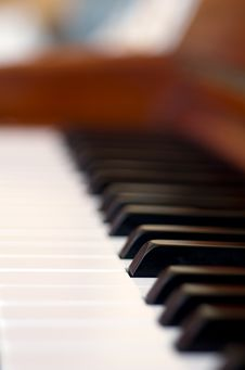 Free Piano Keys Royalty Free Stock Photography - 35498897