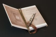 Free Holy Bible Stock Photography - 3551312