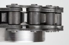 Free Metal Link Chain And Cogwheel Stock Photos - 3552503