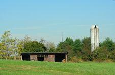 Barn And Silo Royalty Free Stock Photos