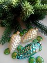 Free Christmas Decoration Pine Cones And Fir Stock Images - 35502854