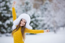 Free Christmas New Year Snow Winter Beautiful Girl In White Hat Nature Royalty Free Stock Photography - 35537797