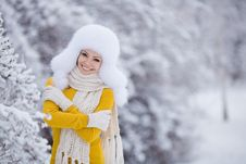 Free Christmas New Year Snow Winter Beautiful Girl In White Hat Nature Stock Images - 35537844