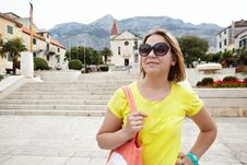 Free Pretty Female Tourist Attractions Looks Royalty Free Stock Photo - 35538385