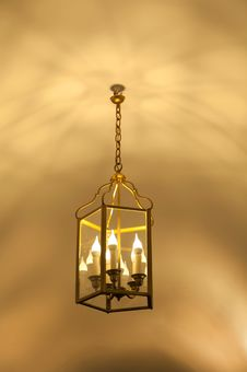 Free Antique Lamp Hanging Stock Photography - 35538452