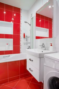 Free Modern Red Bathroom Interior With Mirror And Showe Royalty Free Stock Photo - 35543645