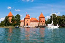 Free Medieval Trakai Castle Royalty Free Stock Photo - 35548135