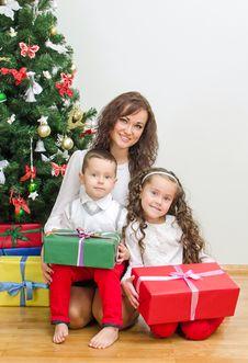 Free Happy Family. Royalty Free Stock Photography - 35548317