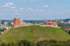 Free Gediminas Castle On The Hill Royalty Free Stock Image - 35549026