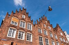 Free Traditional Dutch Architecture Royalty Free Stock Photography - 35549097