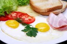 Free Fried Eggs Stock Photography - 35562062