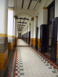 Free Lawang Sewu Old Building Royalty Free Stock Image - 35568526
