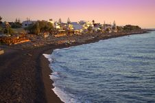 Free Black Beach At Sunrise,Santorini Royalty Free Stock Image - 35569356