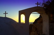 Free Sunrise Through The Arches,Santorini Royalty Free Stock Photo - 35570455